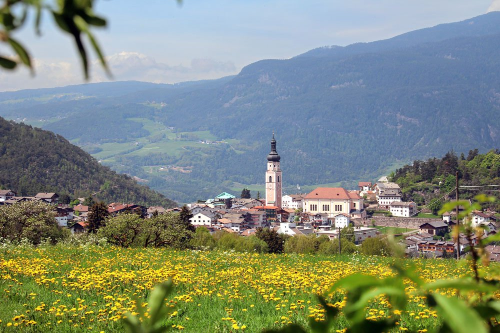 Spend your summer holiday in Castelrotto: the Niglutsch farm is the ideal starting point