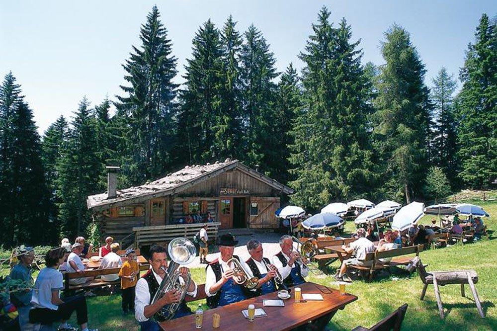 Unsere kleine Almhütte - Die Jausenstation Schafstall-Hütte in Kastelruth